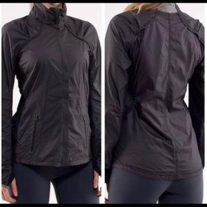 Lululemon run: essentials jacket